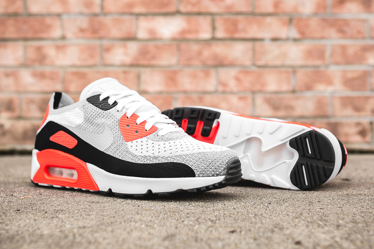 """Il Flyknit approda sulle Nike Air Max 90 """"Infrared"""""""