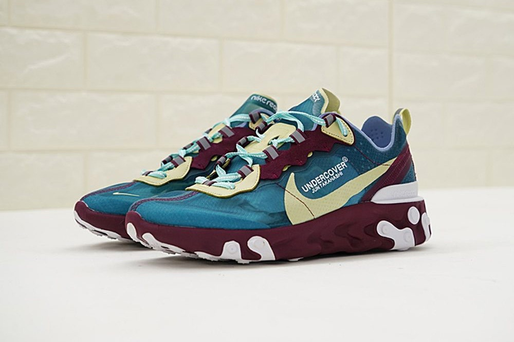 Mostrate le UNDERCOVER x Nike REACT Element 87