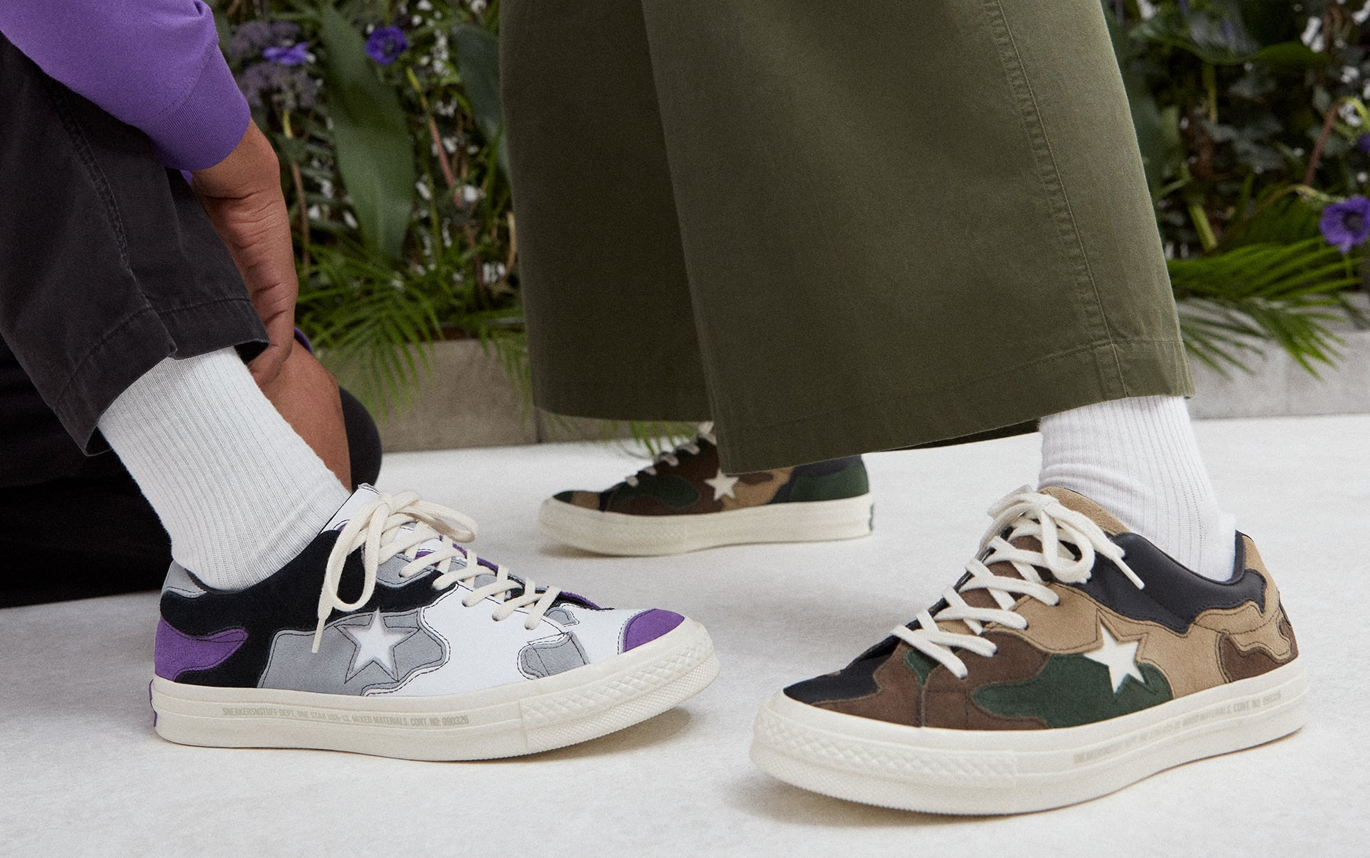 Sneakersnstuff collabora con Converse su due One Star camouflage